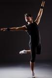 Danças da dança do dançarino Imagem de Stock Royalty Free