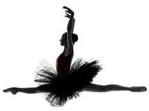 Dança do dançarino de bailado da bailarina da jovem mulher foto de stock