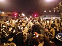 Dança dos povos no no partido de rua de Dia das Bruxas do bairro chinês imagem de stock royalty free