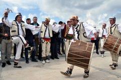 Dança masculina tradicional de Gorani imagens de stock