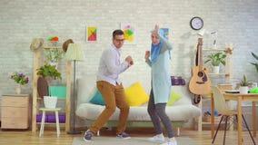 Dança muçulmana nova dos pares video estoque