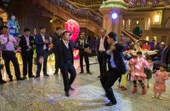 Dança na cerimônia de casamento imagem de stock