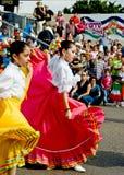 Dança na frente de uma multidão foto de stock