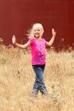 Dança na grama. Imagem de Stock