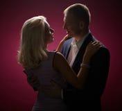 Dança na obscuridade Imagens de Stock Royalty Free