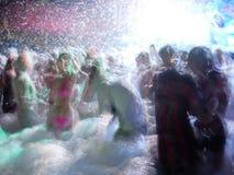 Dança no clube nocturno Fotografia de Stock