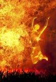 Dança no incêndio imagens de stock