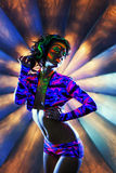 Dança pesadamente feita vistoso da menina no clube noturno Foto de Stock