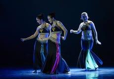 Dança popular nacional do copiador- de Awa imagens de stock