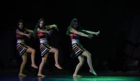 Dança popular nacional do copiador- primitivo do tribo-AVA fotografia de stock