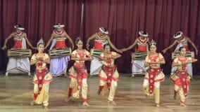Dança tradicional e desempenho do rufar, mostra cultural, Kandy, Sri Lanka fotos de stock