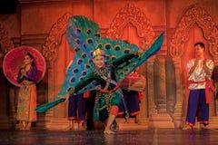 Dança tradicional em Camboja imagem de stock