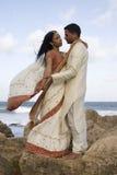 Dança Wedding no vento imagens de stock royalty free