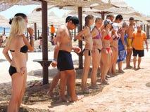 Dançando na praia, Sharm el-Sheikh Imagens de Stock Royalty Free