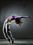 Dançarino da mulher nova imagem de stock