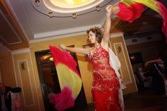 Dançarino de barriga fabuloso Fotografia de Stock