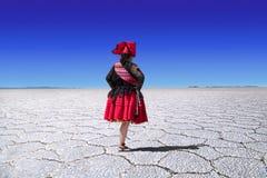 Dançarino do folclore do lago de sal de Uyuni Imagem de Stock Royalty Free