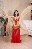 Dançarino do leste com asas Imagens de Stock