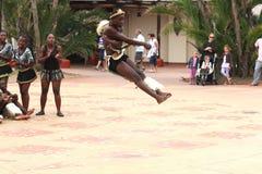 Dançarino do tribo Zulu fotos de stock