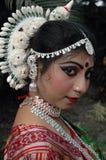 Dançarino fêmea atrativo de India Fotos de Stock