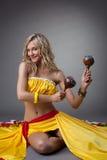 Dançarino feliz no traje mexicano fotos de stock