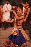 Dançarino na Índia fastival do navratri Fotografia de Stock Royalty Free