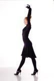 Dançarino novo da beleza nos saltos altos foto de stock royalty free