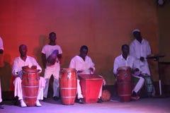 Dançarinos cubanos, cantor e sua orquestra Foto de Stock Royalty Free