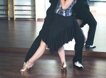Dançarinos da dança de salão de baile foto de stock