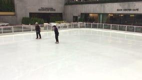 Dançarinos da patinagem no gelo video estoque