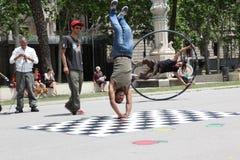 Dançarinos da rua em Barcelona, Espanha Imagens de Stock