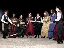 Dançarinos de Folklor com trajes tradicionais fotos de stock royalty free