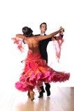 Dançarinos do Latino no salão de baile Imagens de Stock