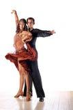 Dançarinos do Latino no salão de baile Imagem de Stock Royalty Free