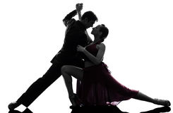 Dançarinos do salão de baile da mulher do homem dos pares que tangoing a silhueta Fotografia de Stock Royalty Free