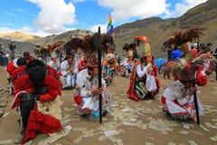 Dançarinos em Quyllurit& x27; eu festival do inca nos andes peruanos aproximo a montanha do ausangate fotos de stock