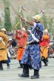 Dançarinos em trajes históricos Imagem de Stock