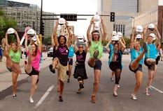 Dançarinos em uma parada Fotografia de Stock