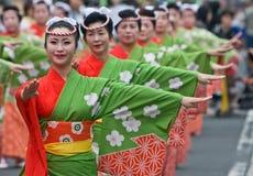 Dançarinos japoneses do festival Fotos de Stock Royalty Free