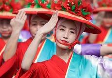Dançarinos japoneses do festival no quimono Imagem de Stock