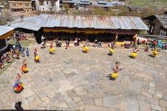 Dançarinos mascarados do festival em Butão fotografia de stock royalty free