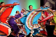Dançarinos mexicanos fêmeas fotos de stock