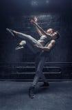 Dançarinos novos inspirados que executam junto Fotos de Stock