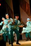 Danças populares do russo festivo alegre coreografia ao estilo do feriado popular Maslenitsa imagem de stock