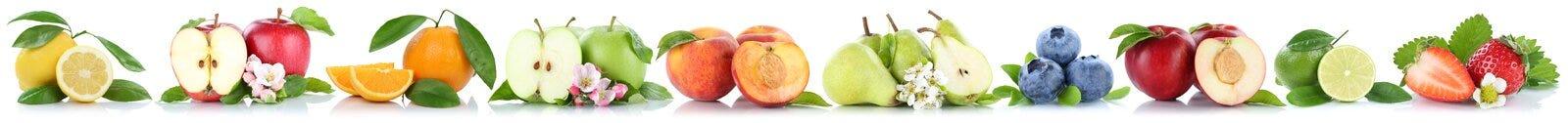 Dan fruto las naranjas anaranjadas de las manzanas de la manzana en fila aisladas en blanco Fotografía de archivo libre de regalías