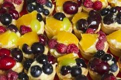 Dan fruto las tartas Imágenes de archivo libres de regalías