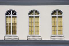 danade gammala fönster Royaltyfri Bild