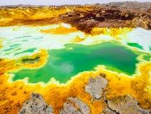 Danakil消沉的湖Dallol, Ehtiopia 免版税库存图片