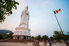 Danang, Vietname o 15 de março:: estátua de Guanyin o mais altamente em Vietname em Fotos de Stock