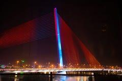 Danang, Vietname o 15 de março:: Iluminação na ponte na noite em Marc Foto de Stock Royalty Free